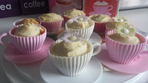 Camomile cakes